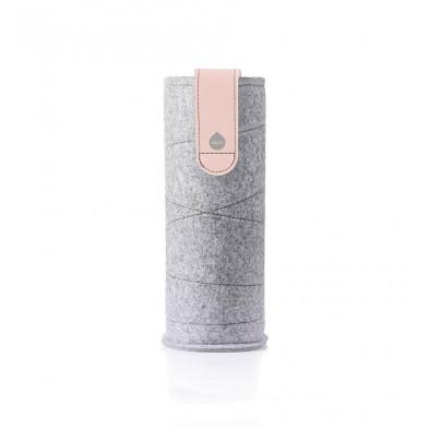 Wymienne etui Mismatch Pink Breeze do szklanych butelek o pojemności 750 ml.
