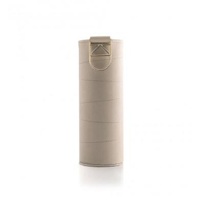 Wymienne etui Mismatch Beige do szklanych butelek o pojemności 750 ml.